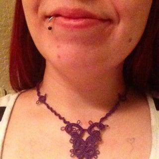 Needle Tatting a Necklace