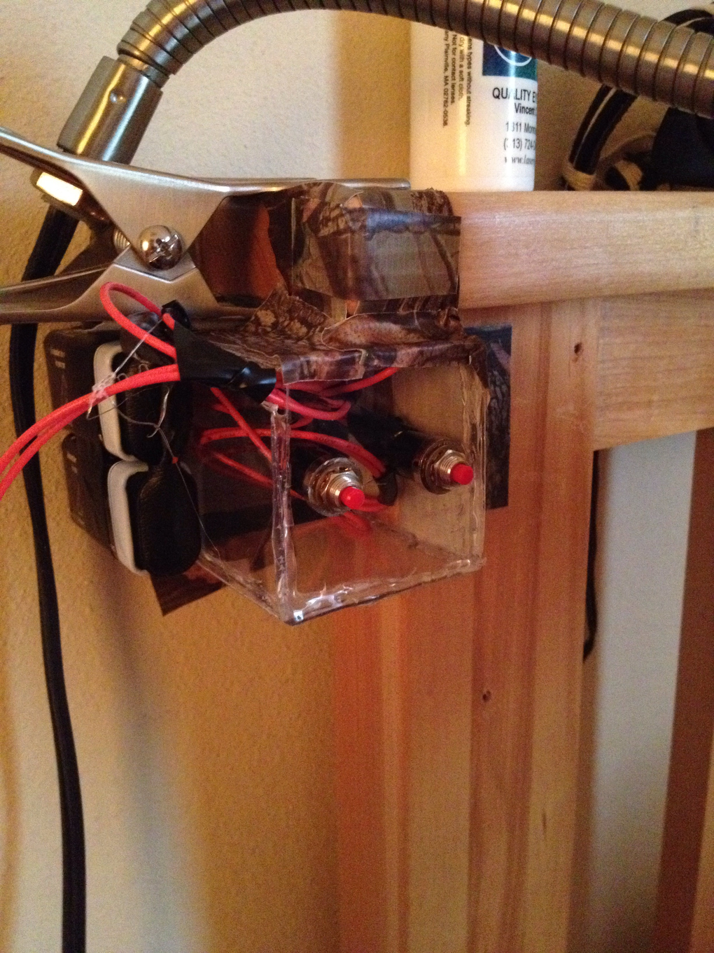 Control Your Bedroom Lights With A Simple DIY Push Switch