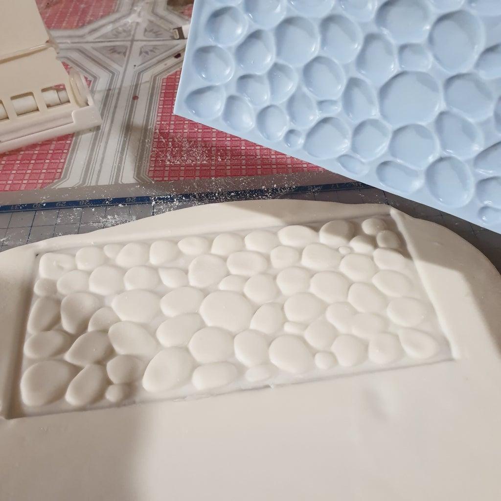 Making the Cobblestone Effect Cake Base