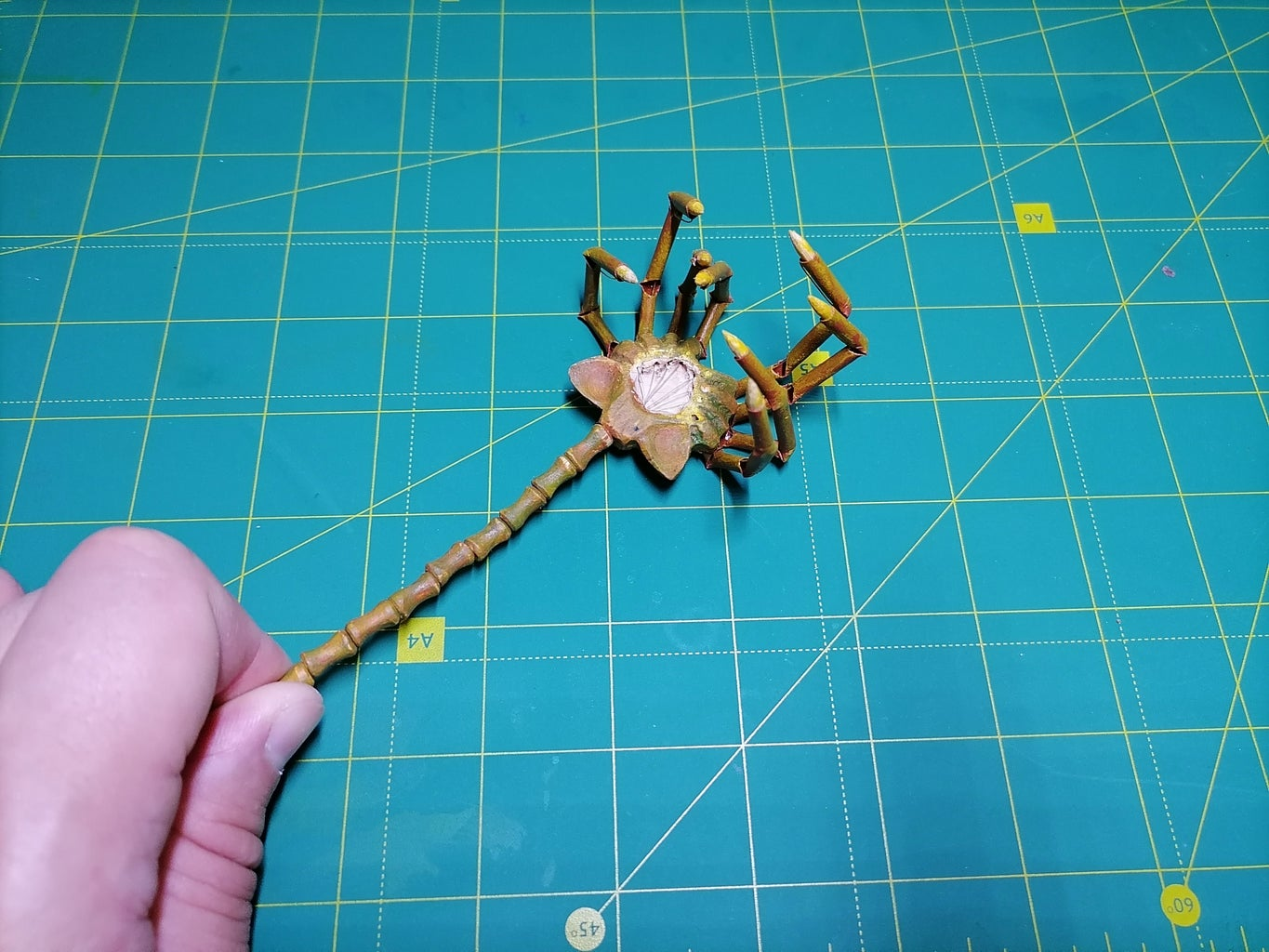 Alien Facehugger With Moving Tentacles