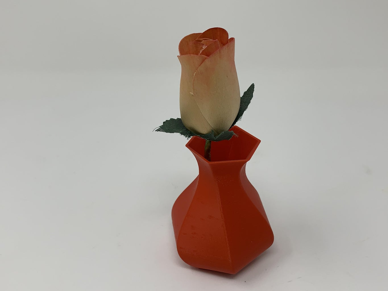 "Designing a 3D Printable Hexagonal ""Twisty Vase"" Using FreeCAD."