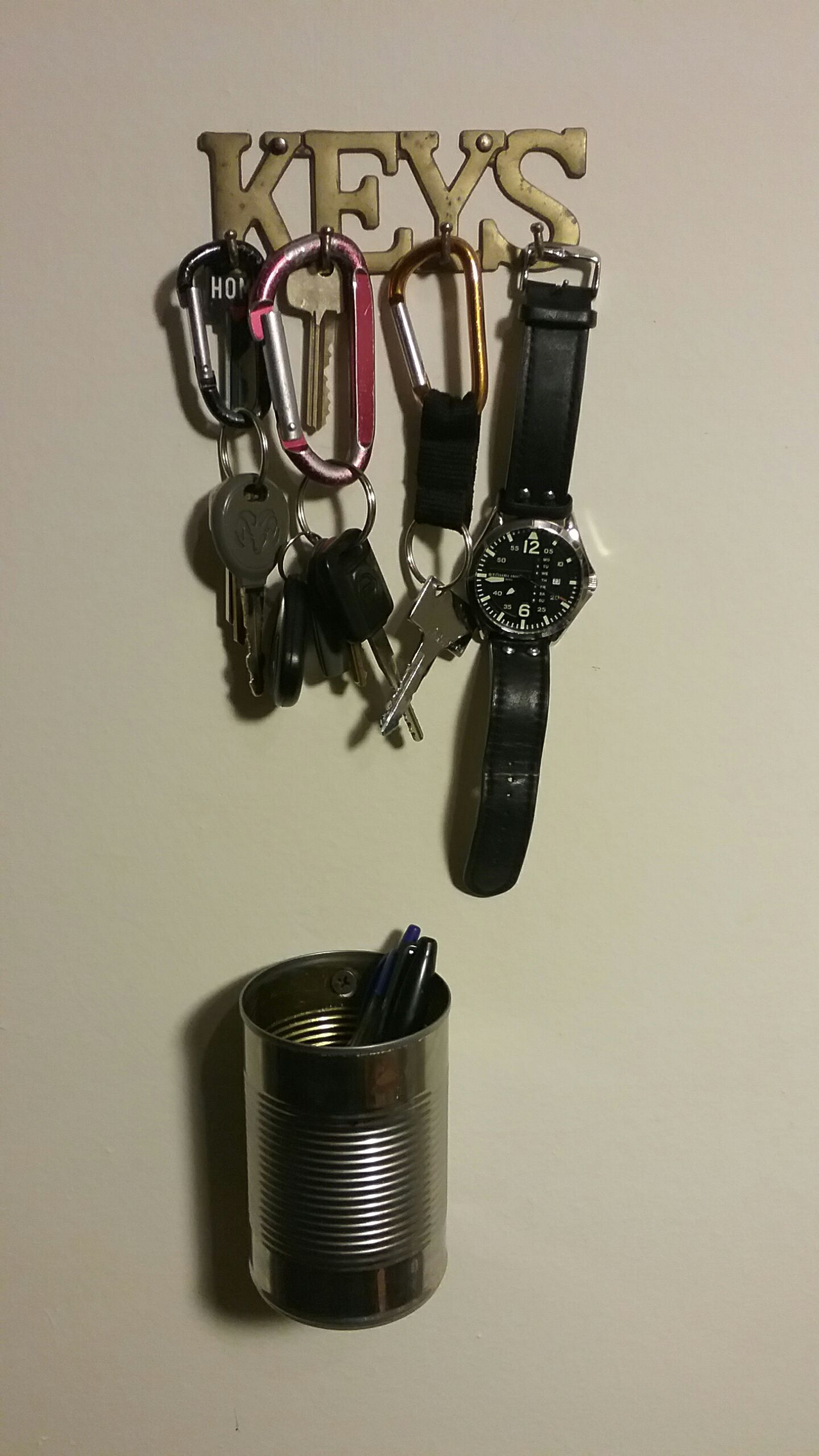 Recycled Tin Can Wall Organizer