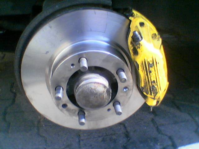 How to replace brake pads and discs on a Porsche 944