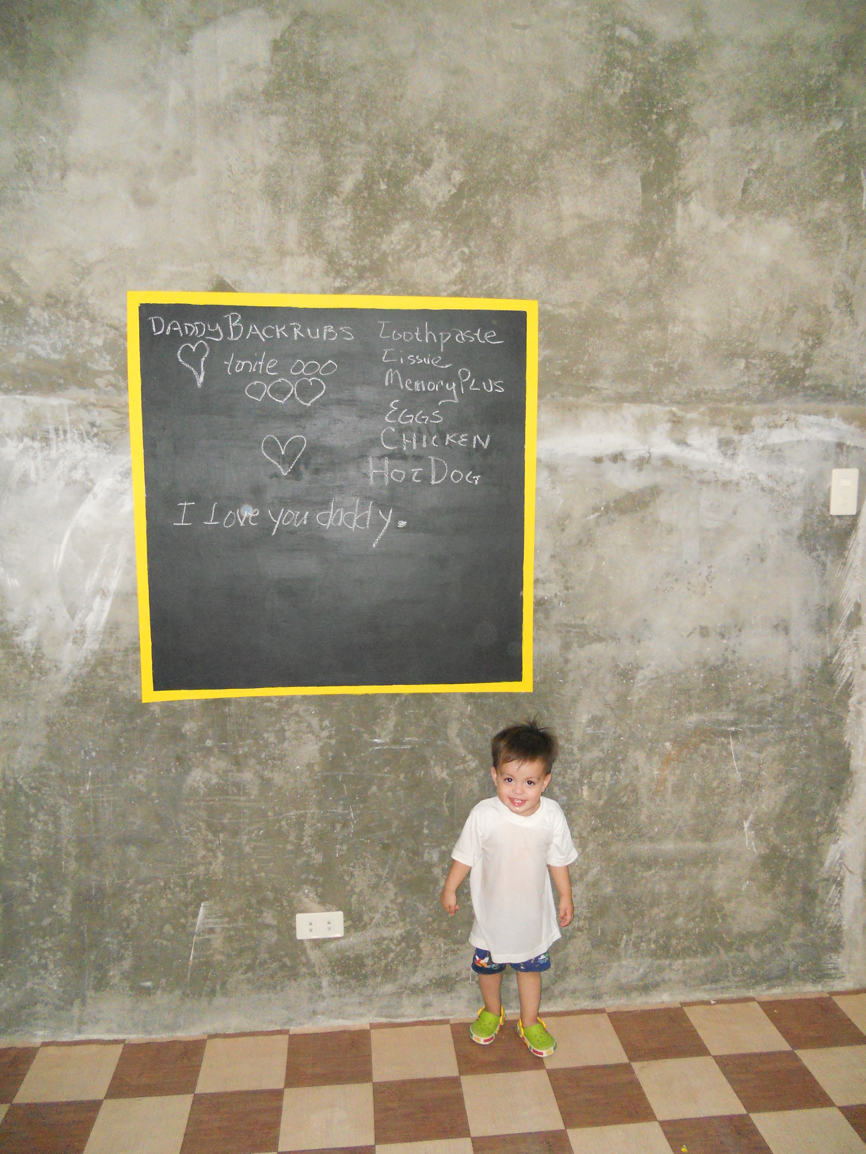 Making blackboards on concrete walls