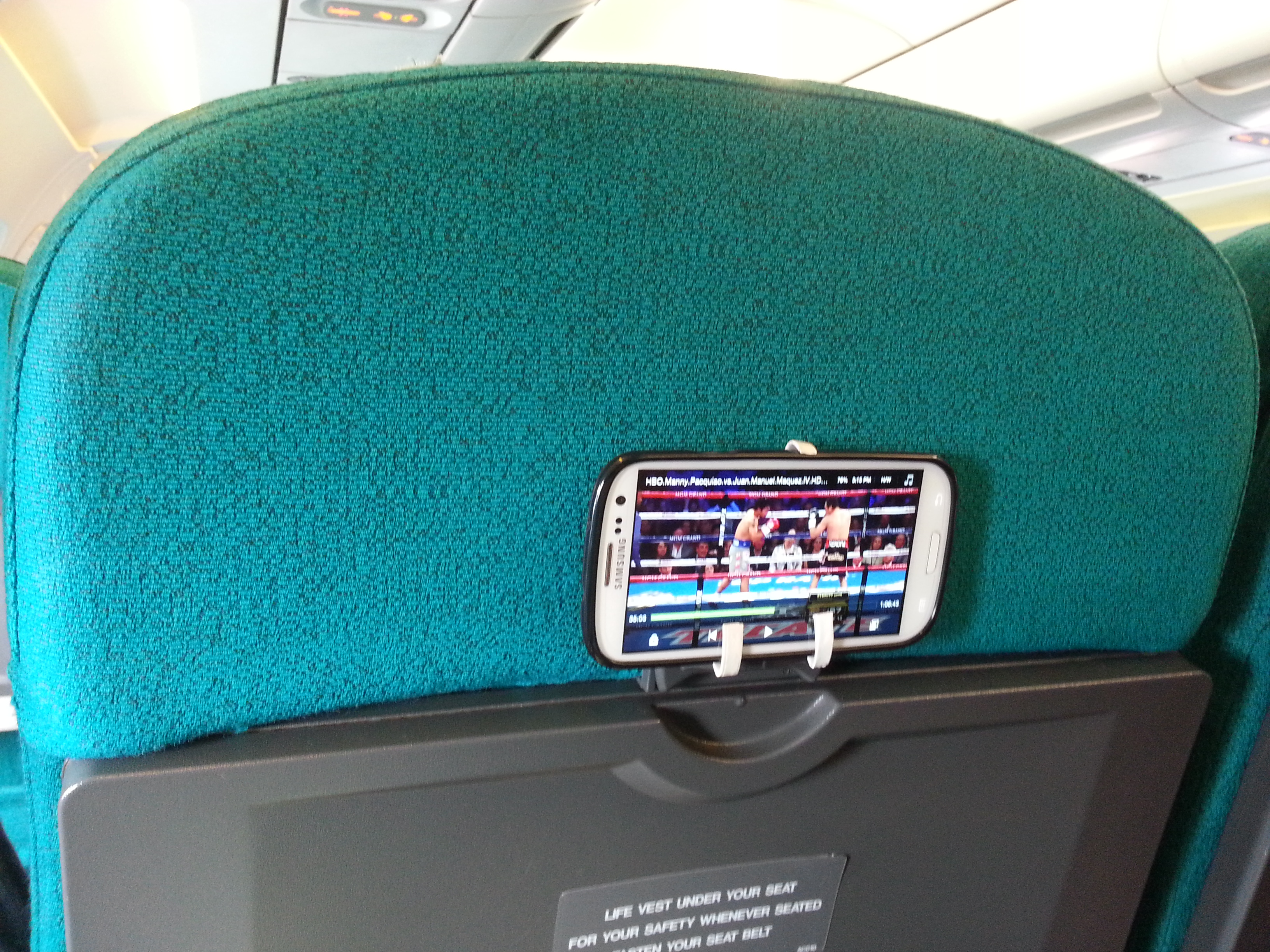 Phone Mount on Plane Seat