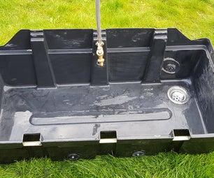 回收塑料水箱制作水槽。