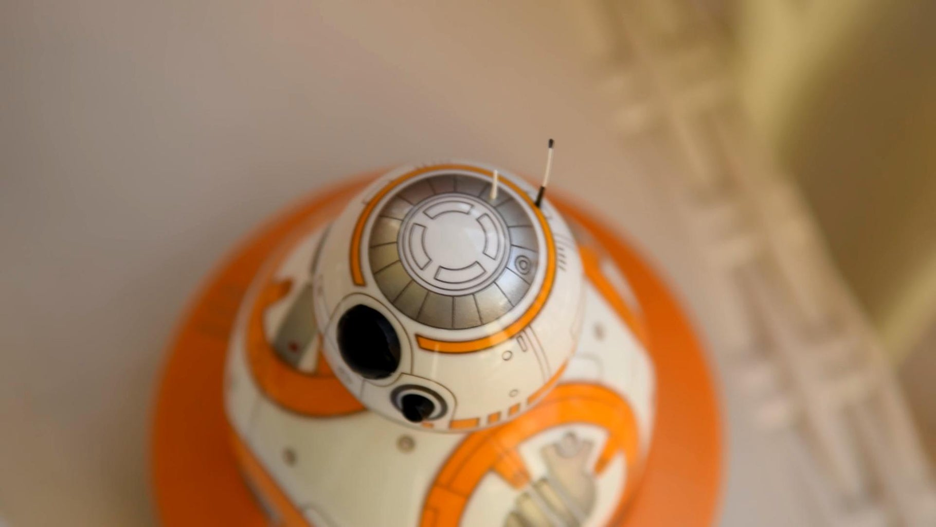 Draw the Details on BB8's Head