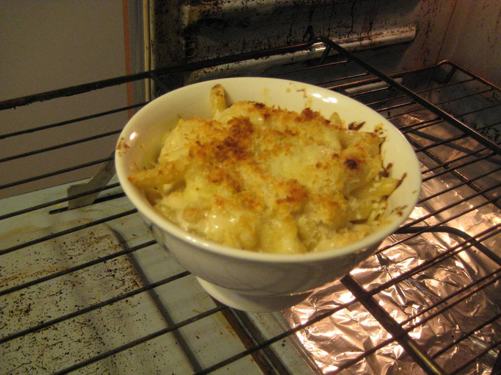 Triple D in the 'D' Most Macked Mac & Cheese!