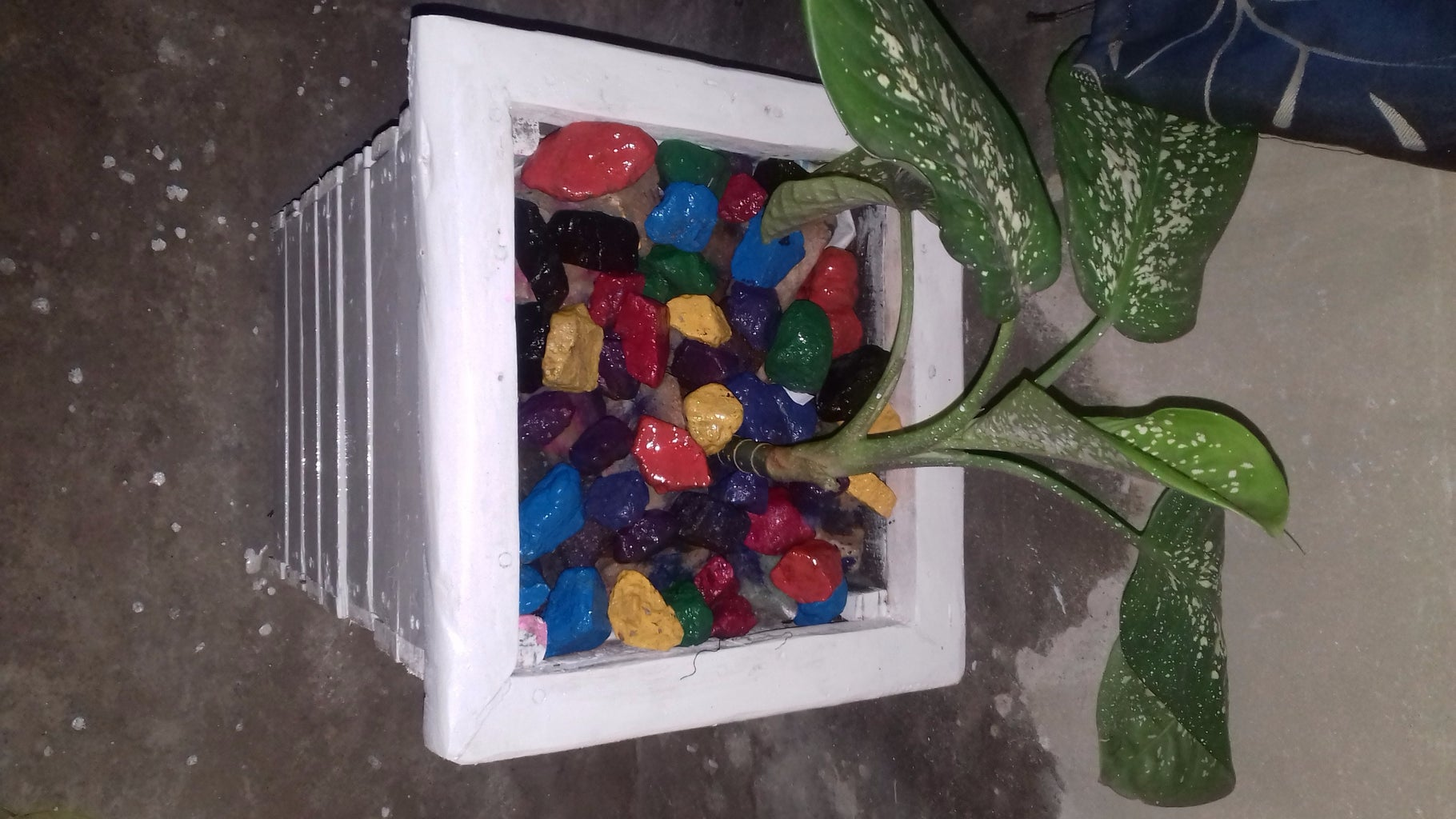 Colourful Flower Vase Stones