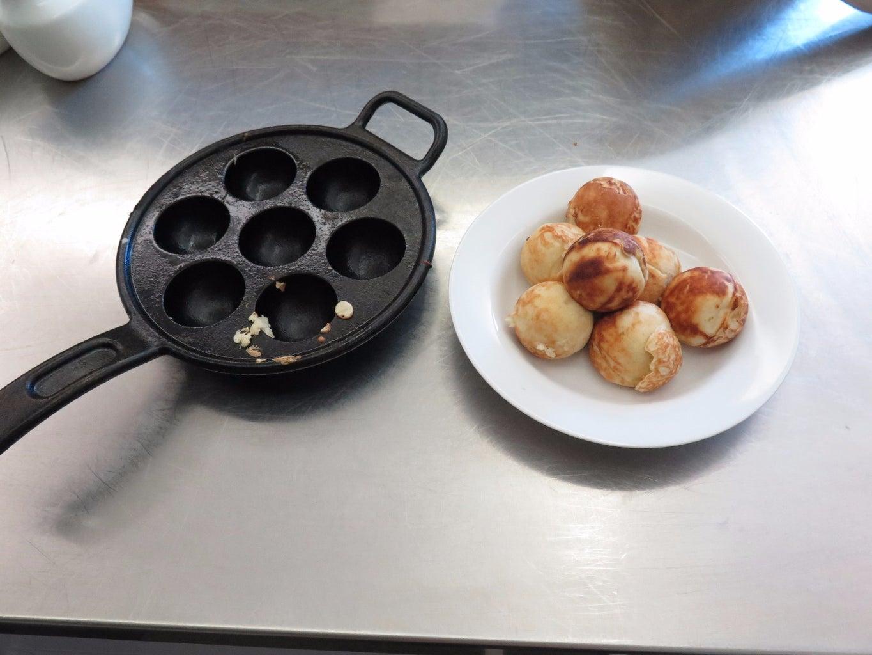 Danish Sphere Pancakes : Aebleskiver