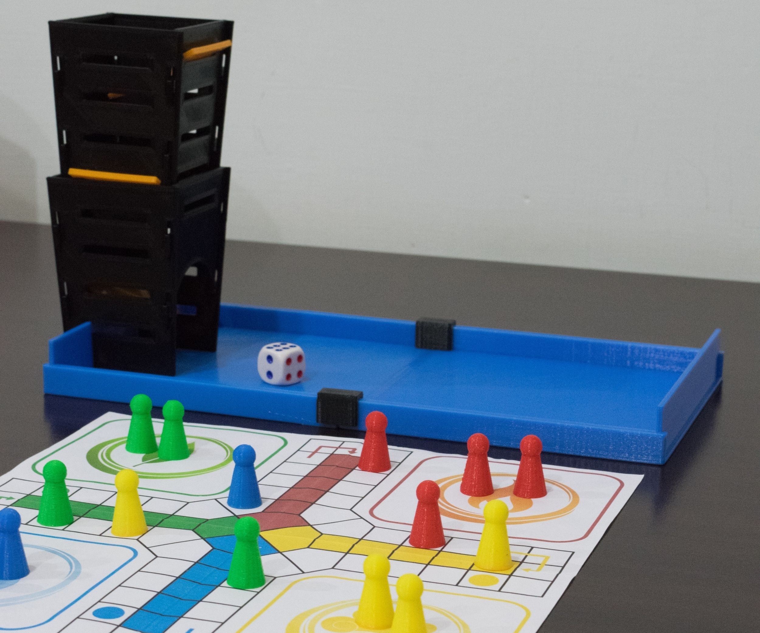 3D Printed Ludo Set With Box and Dice Tower