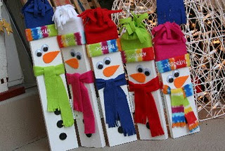 Hinged Wooden Snowman Family