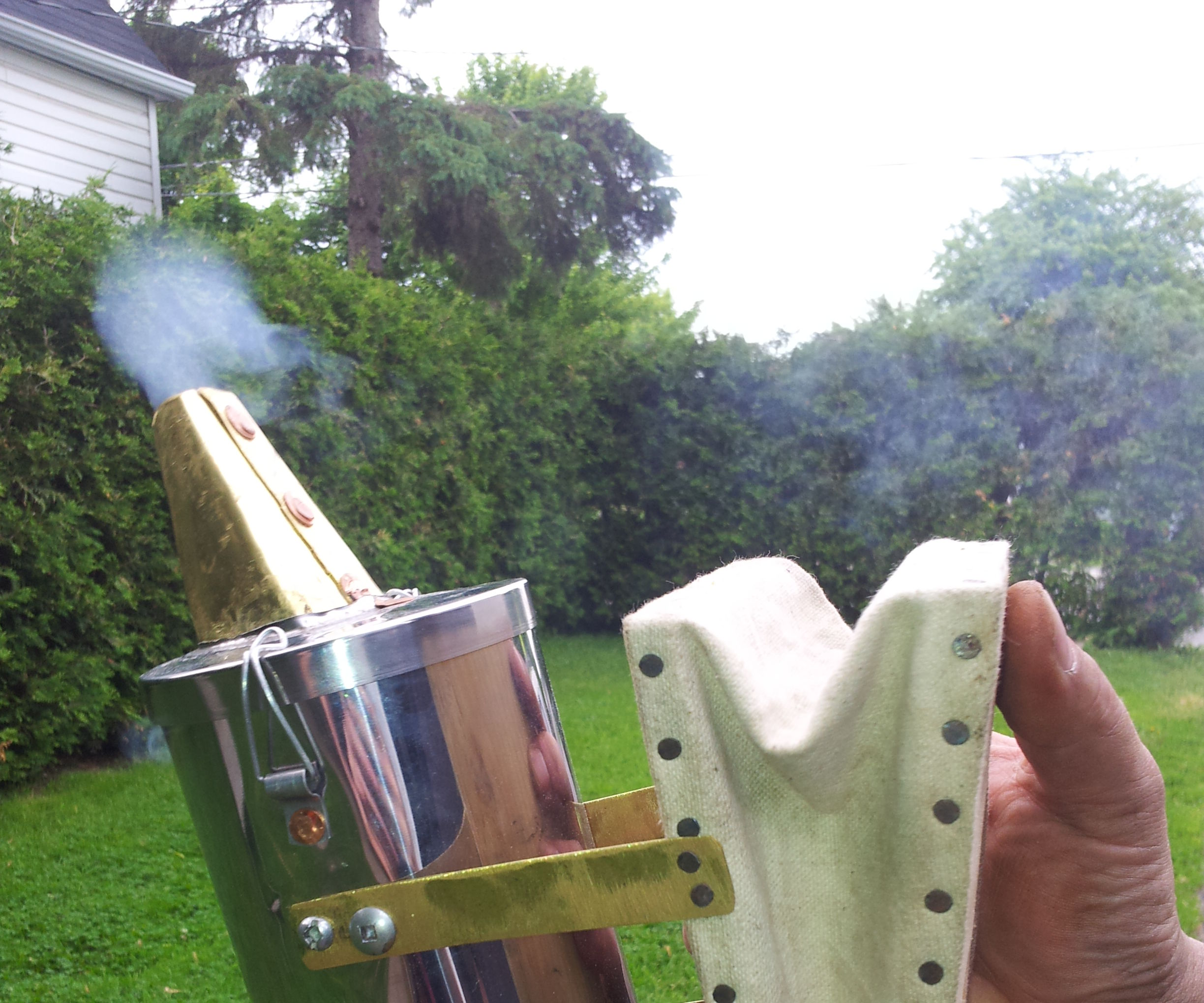 Bellows Bee Smoker For The Home Apiarist