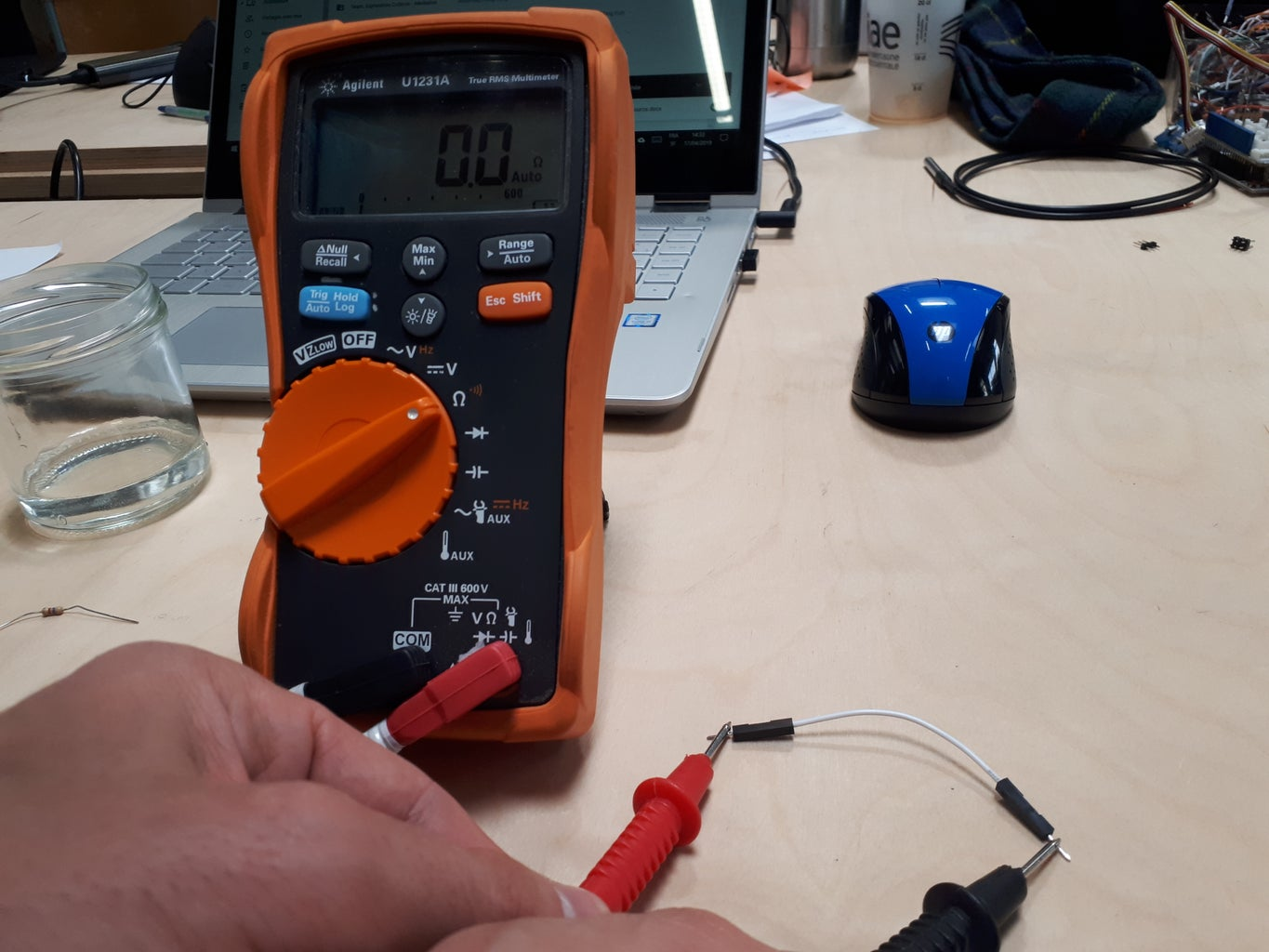 Testing Electrical Conductivity of Oil
