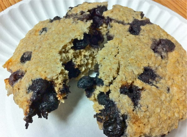 Dorm Room Cooking: 10 Minute Healthy Blueberry Scone