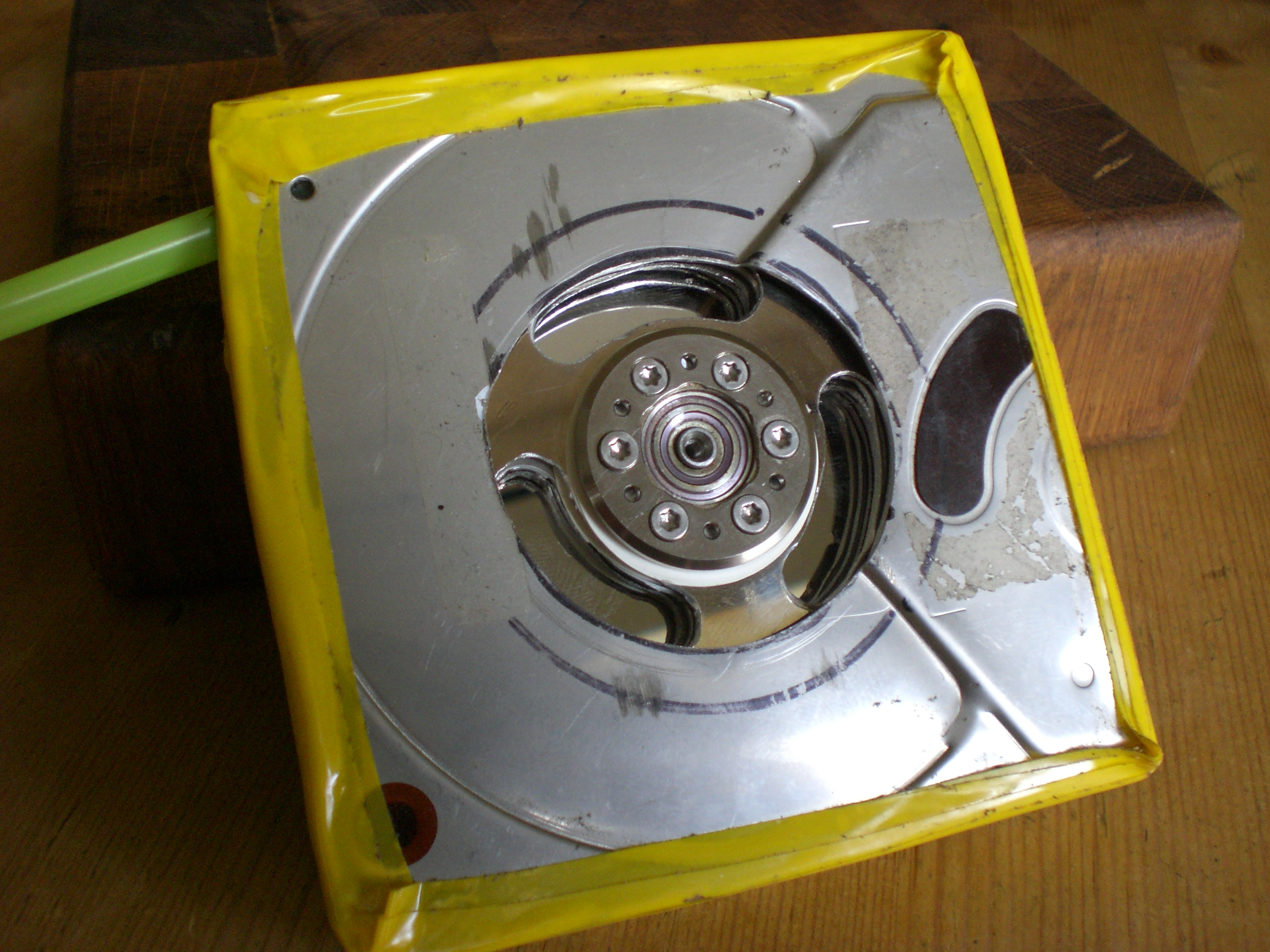 Tesla turbine from old hard drives and minimal tools