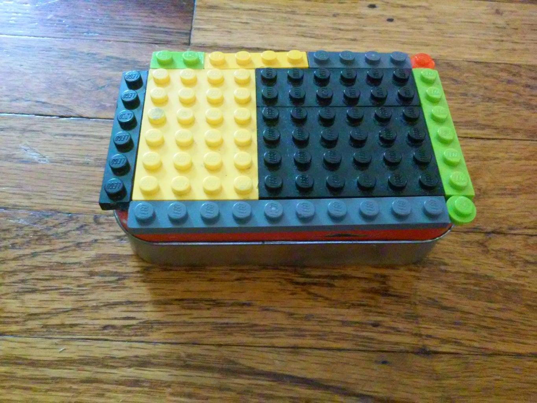 LEGO Travel Kit From an Altoids Tin