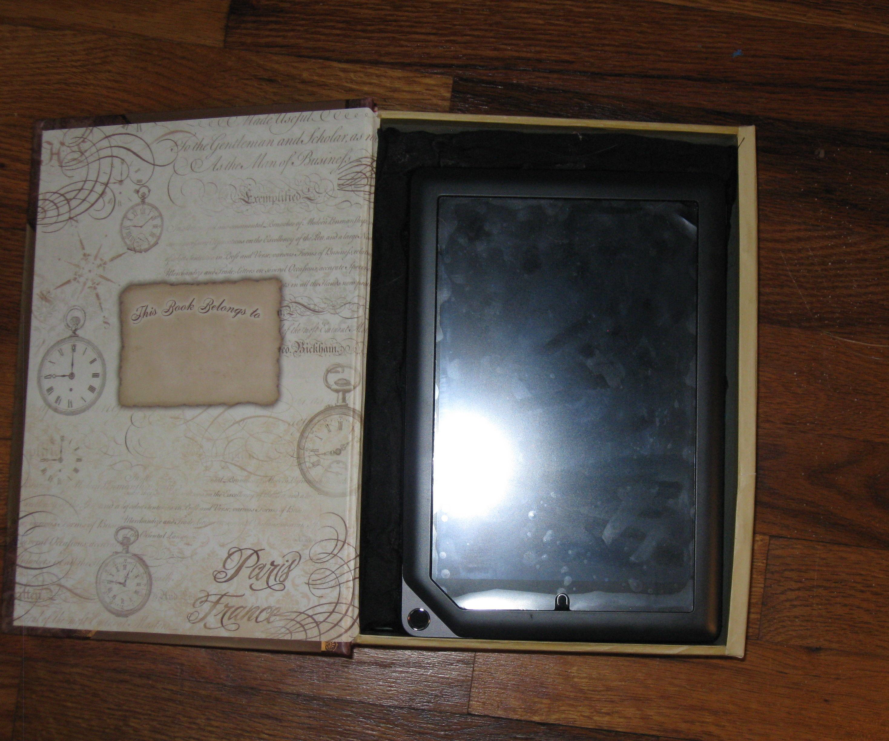 Two layer book box to hold a tablet PC