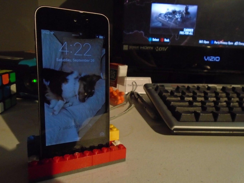 Lego Ipod/Iphone/Ipad Stand!