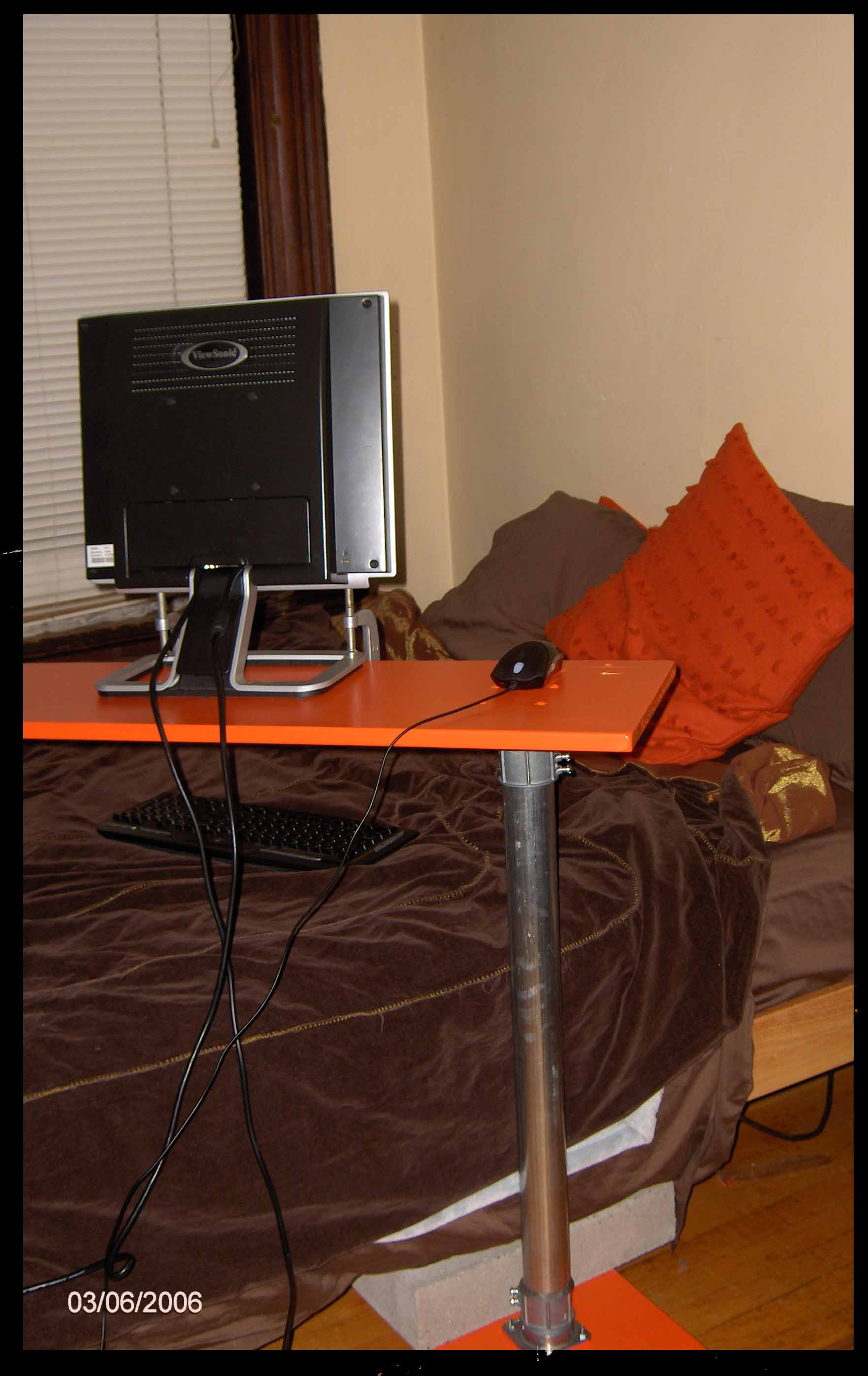 Over-the-bed Computer Cart