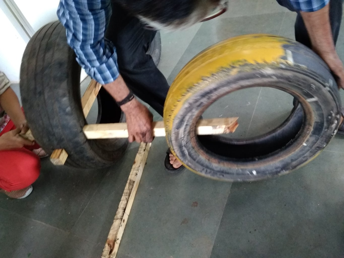 MARKING AND CUTTING OF TIRE 3 AND 4