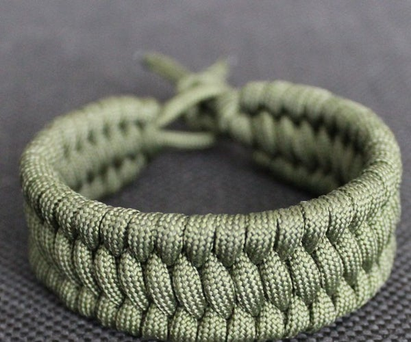 Making a Trilobite Bracelet From a Paracord