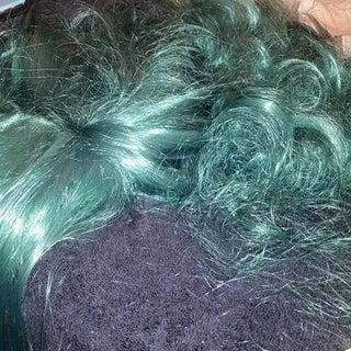 Untangle and De-frizz a Long Wig