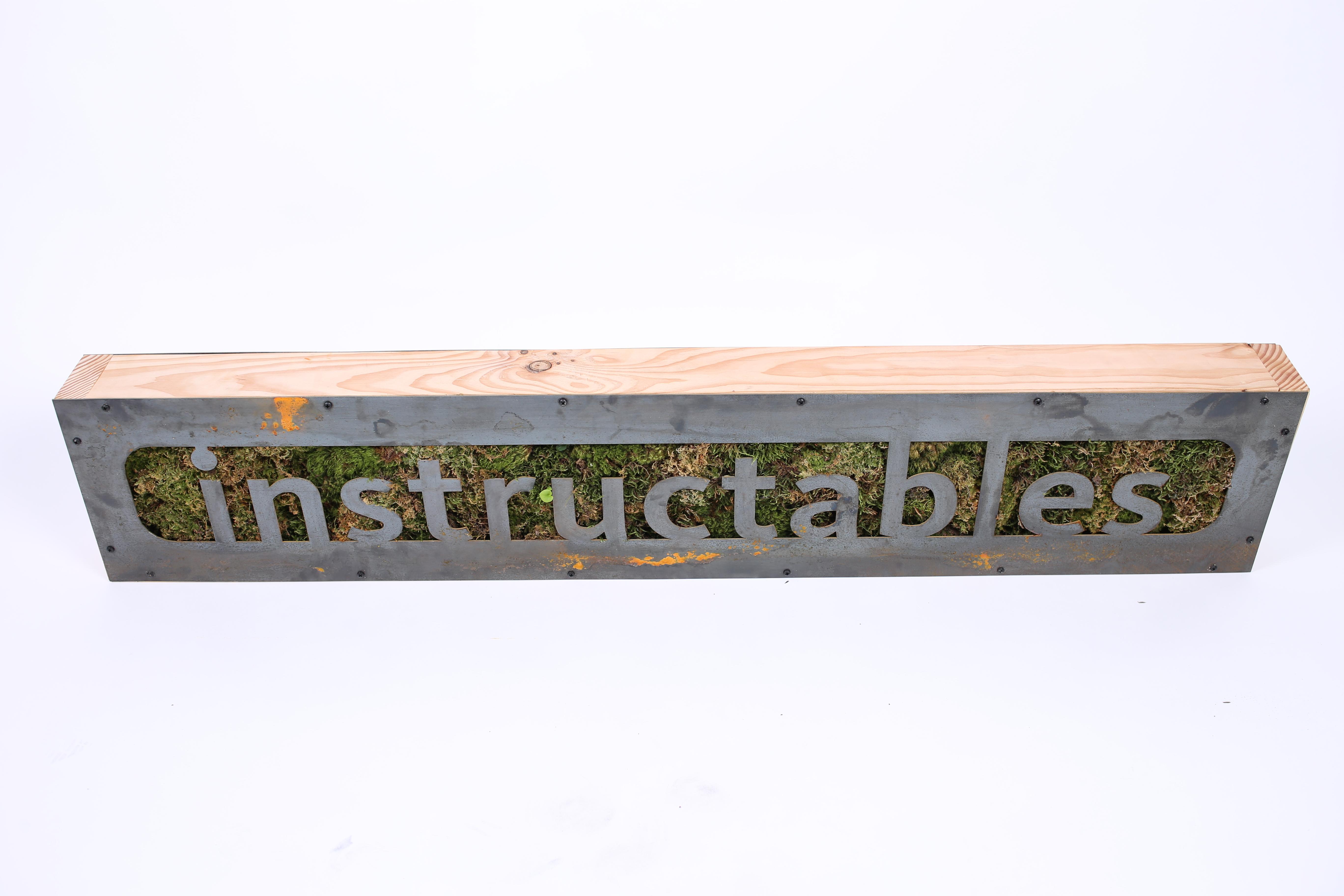 Instructables Vertical Moss Planter