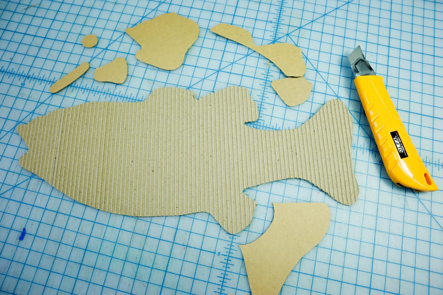 Trace and Cut the Small Pieces