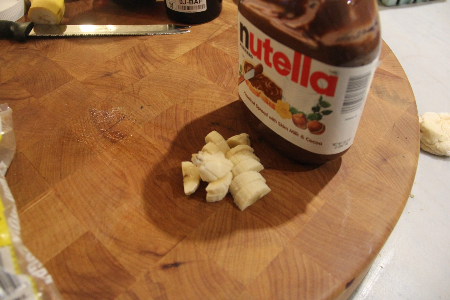 A Few Quick Desert Pies to Feast Your Eyes... Banana and Nutella