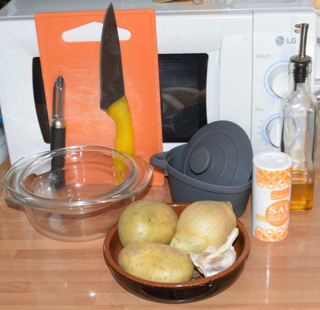 Microwave Patatas a Lo Pobre (Poor Man's Potatoes)