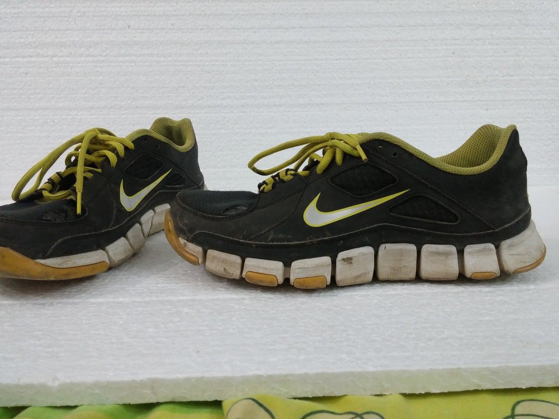 Refubrishing Nike Sports Shoes