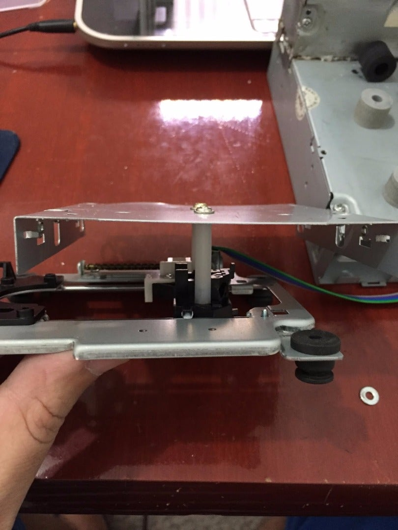 MOUNTING THE Y-TABLE OVER THE Y-AXIS BASE