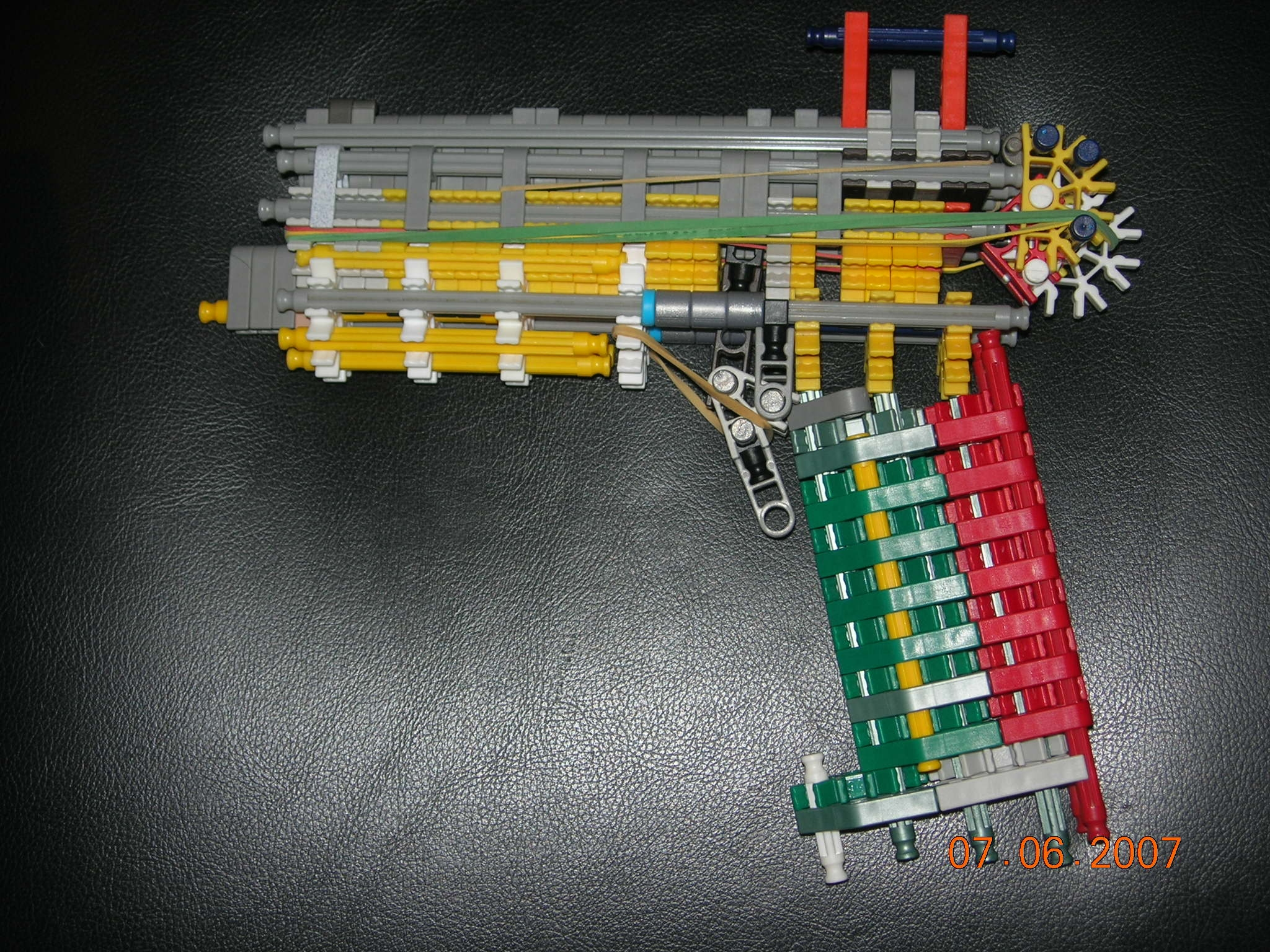 the desert buzzard knex gun