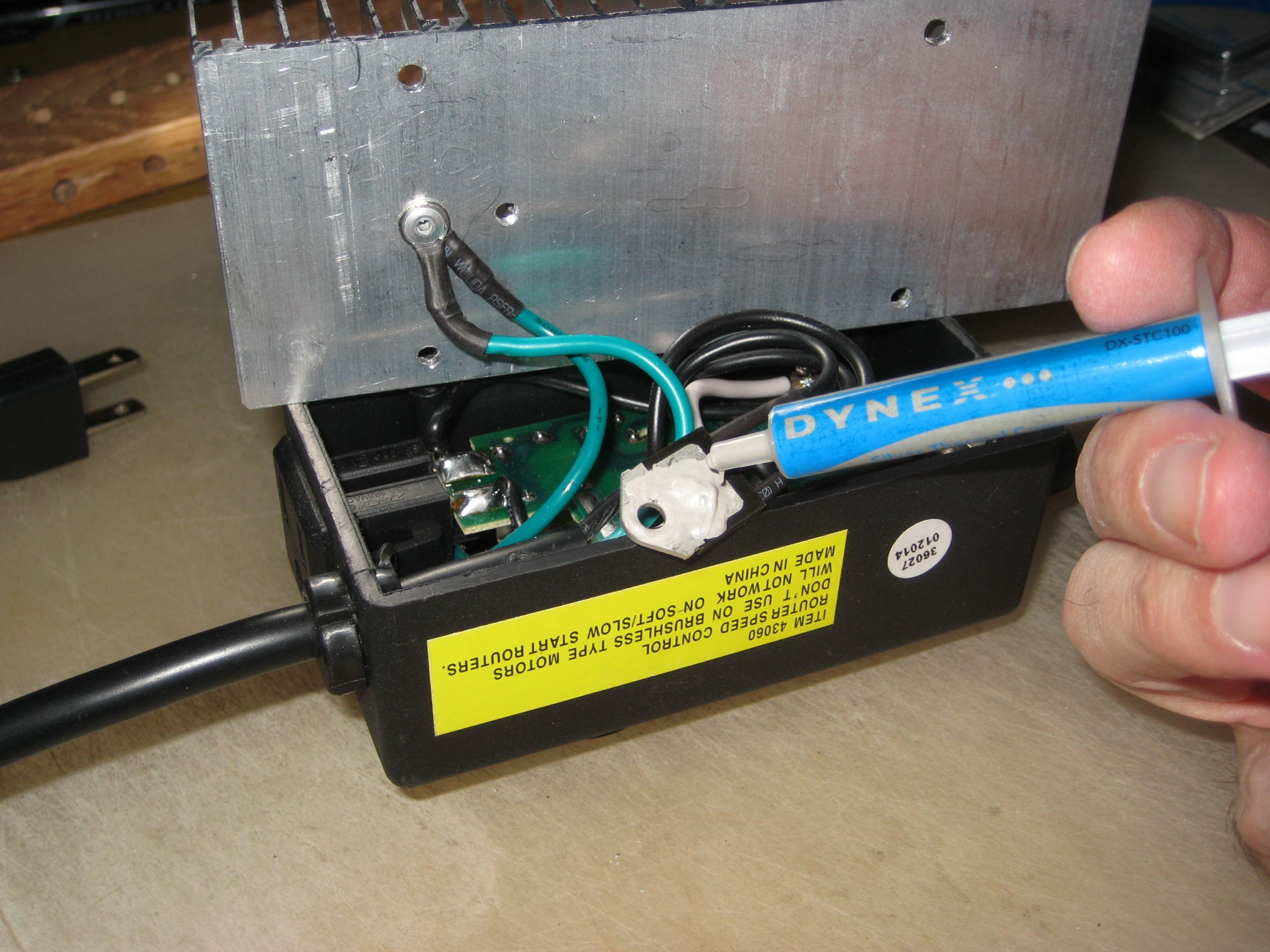Harbor Freight Router Speed Control Mod With Pictures Fan Wiring Diagram Transformer Old Variable Ac Motor Triac