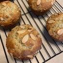 Otis Spunkmeyer Almond Poppyseed Muffins