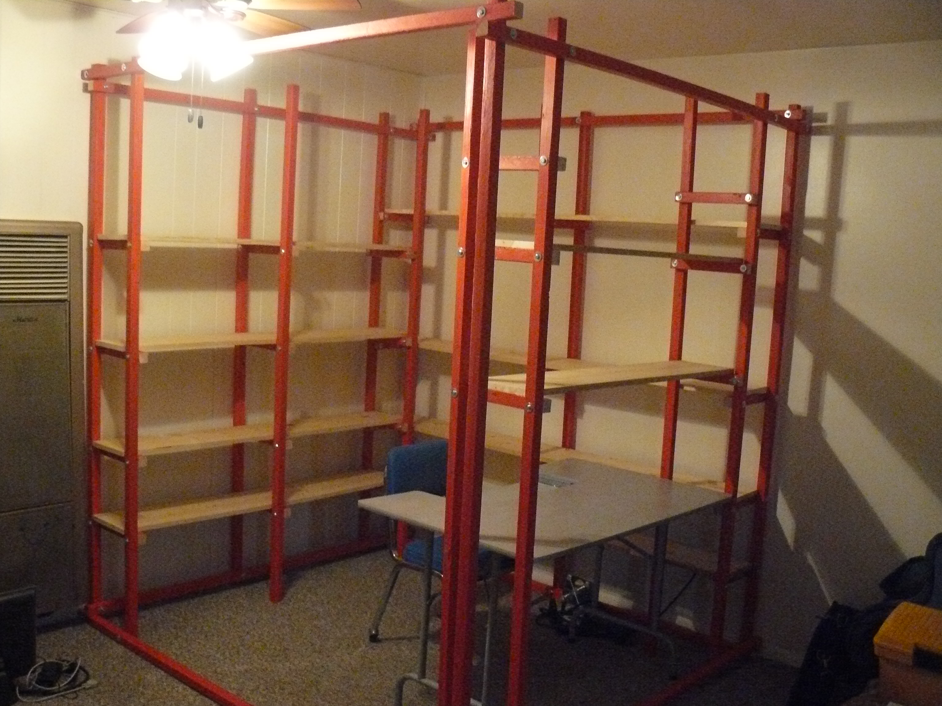 The Perfect Instructable-building Man-Cave Cubicle!