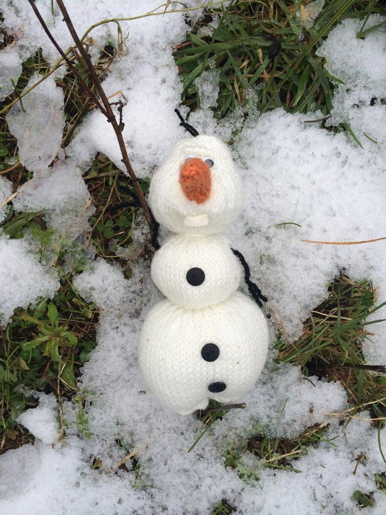 Knit Olaf the Snowman