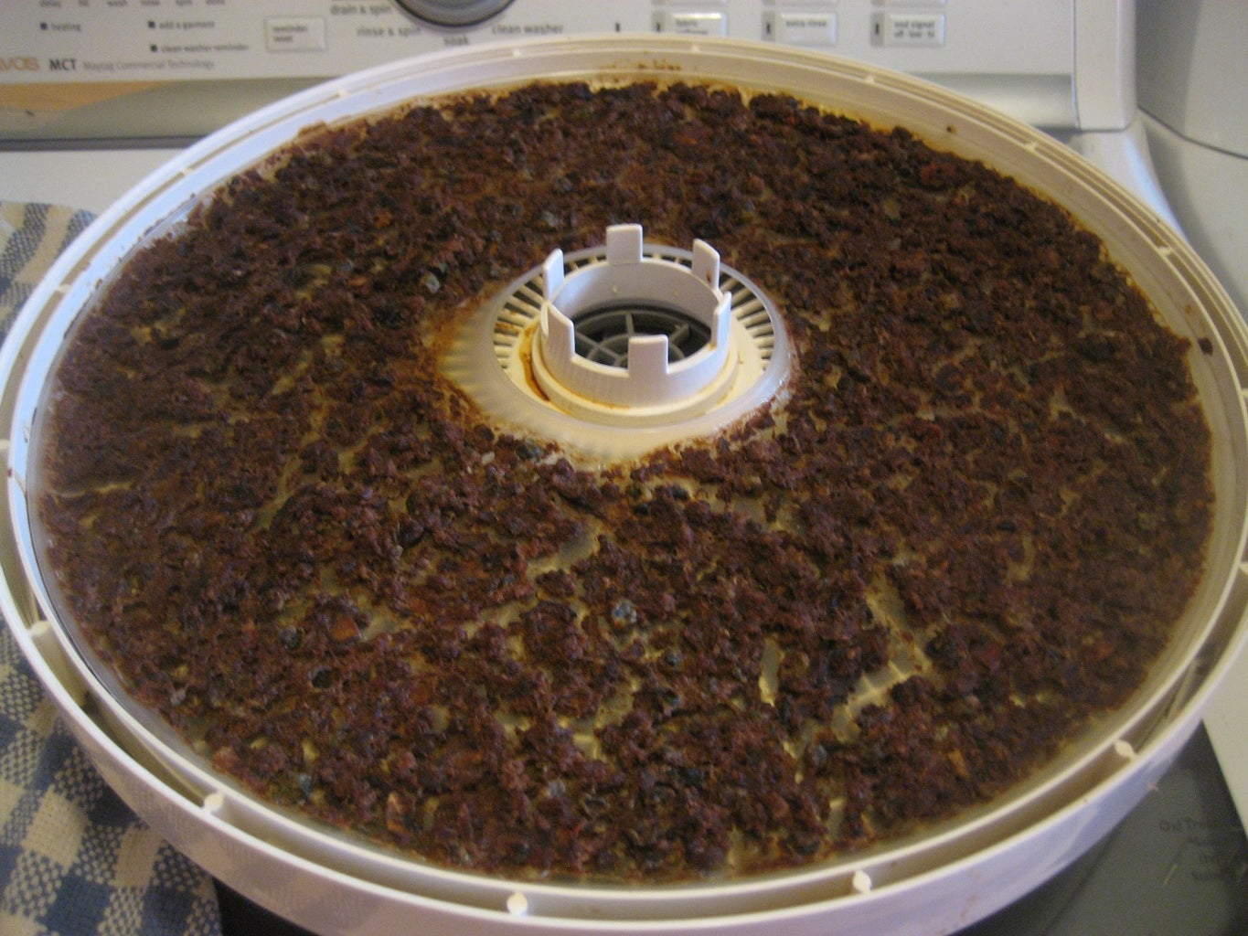 Remove the Meal From the Dehydrator Trays