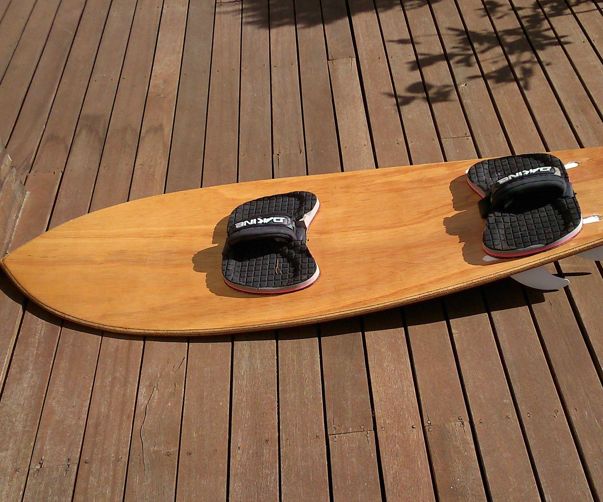 Hollow wooden kitesurfboard
