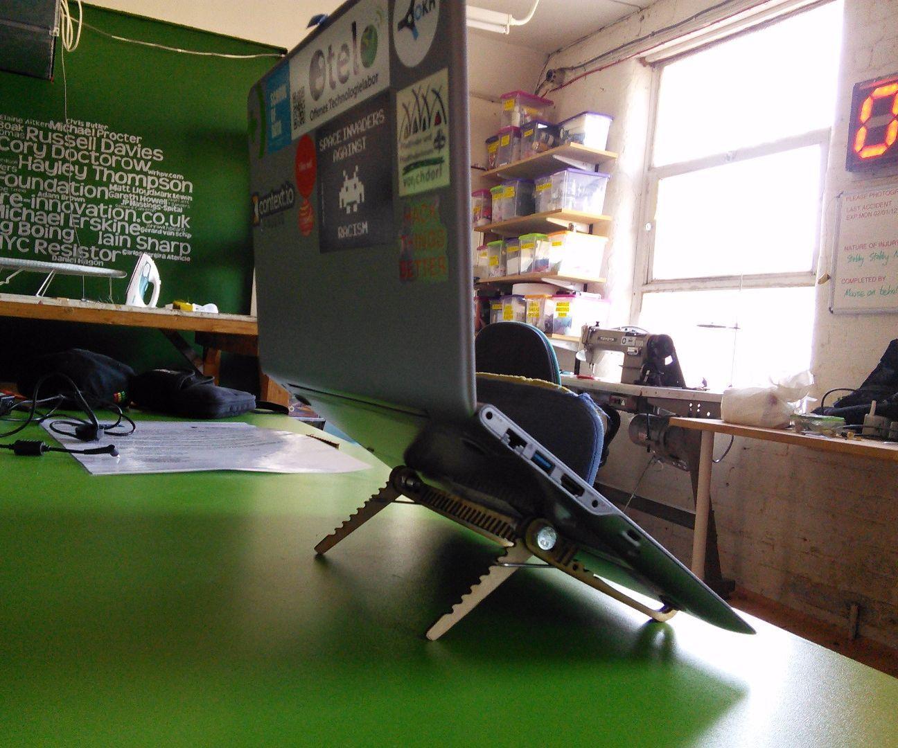 Adjustable Notebook Riser / Laptop or Tablet stand