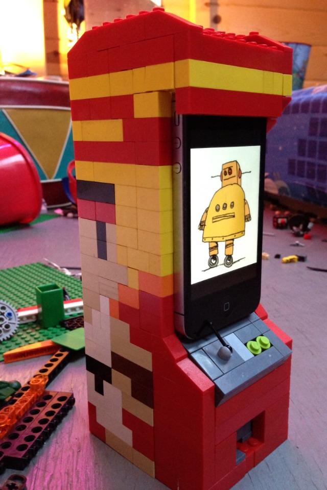 Lego iPhone stand arcade machine