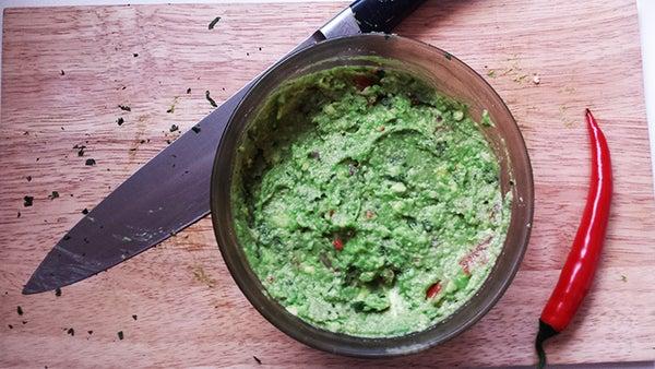 Fresh, Healthy and Easy Guacamole