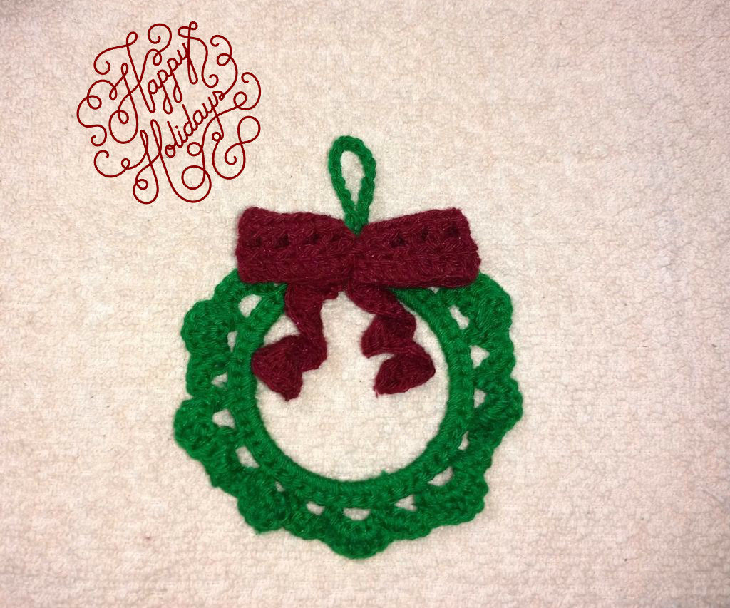 Xmas Wreath Crochet Ornament
