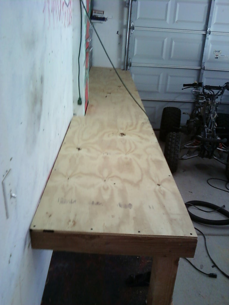 Laying Down the Bench Top