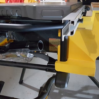 Outfeed Table for Dewalt Table Saw for $10 (includes Plans)