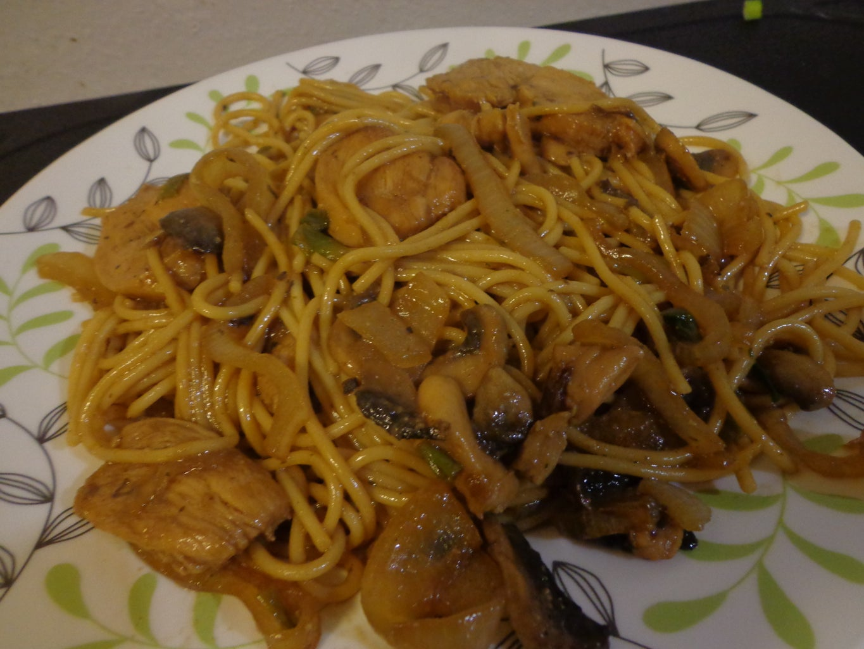 Simple & Easy Chicken Lo Mein