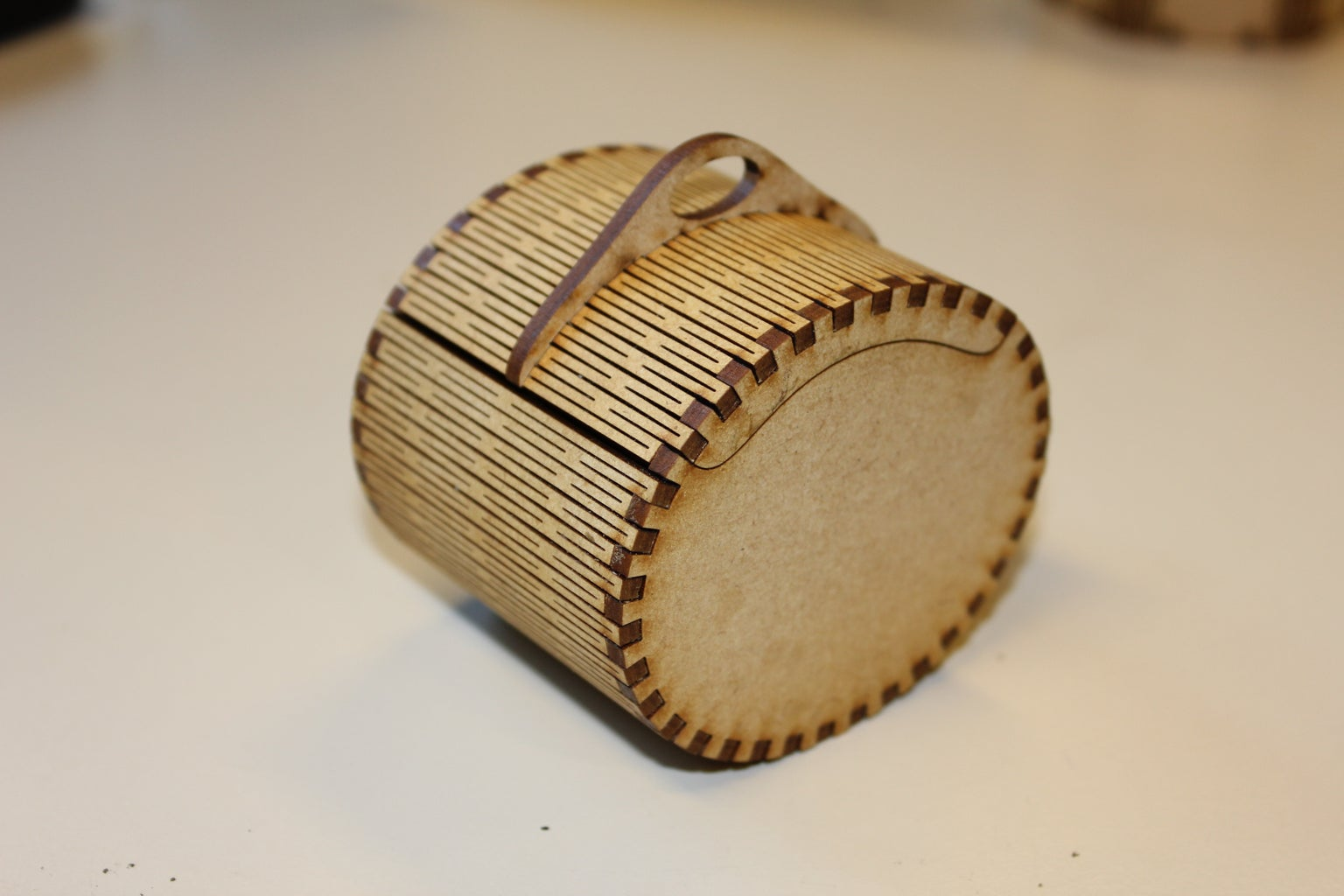 Creating a Simple Box With a Handle: Making the File