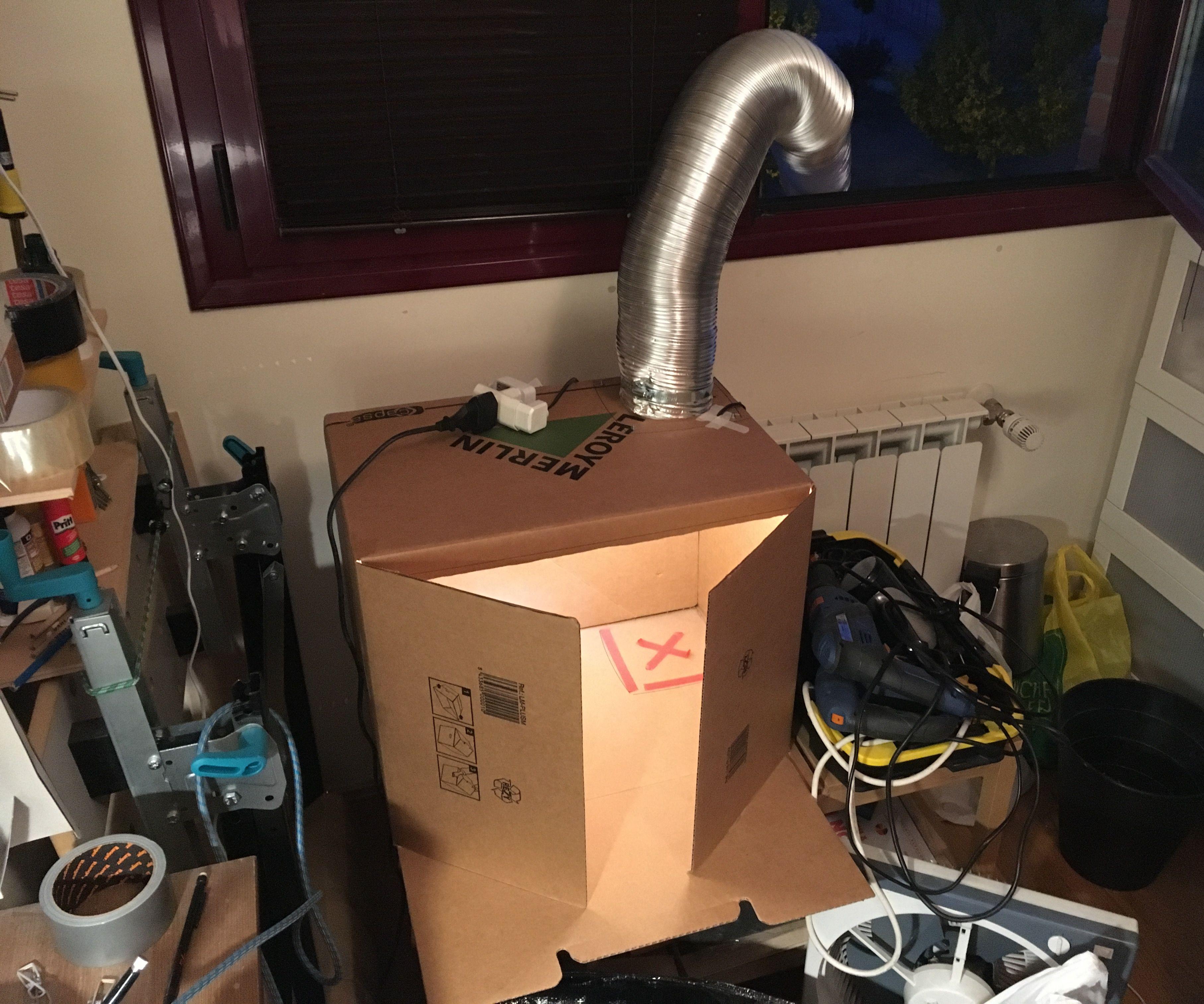 Cheap cardboard paint booth