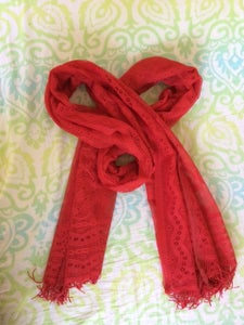 Scarf to Form Loops and a Knot